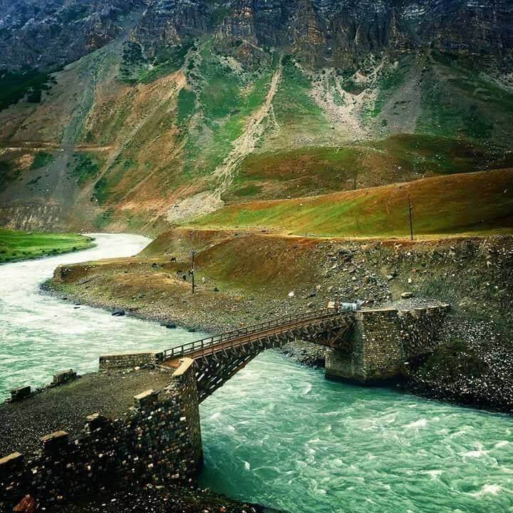 Best-places-in-India-to-travel-in-summer-ladakh