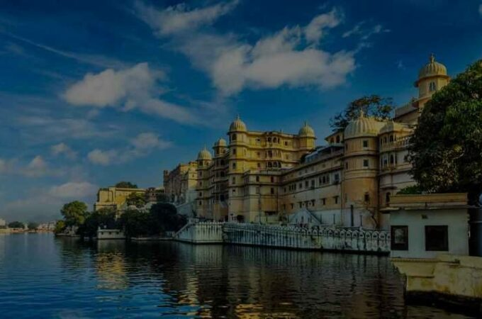 Popular tourist destination of india (Jaipur and Udaipur)