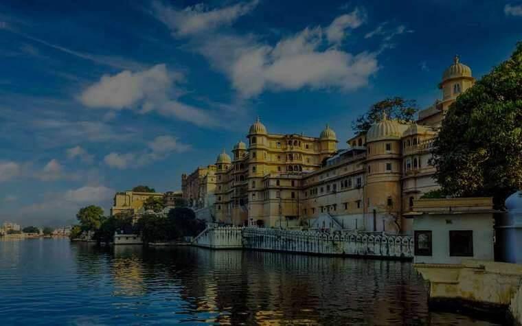 Popular tourist destination of india (Jaipur and Udaipur)